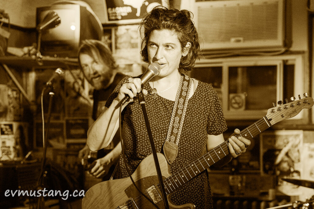 image of jill staveley and matt watson of the steelburners at the pig's ear tavern